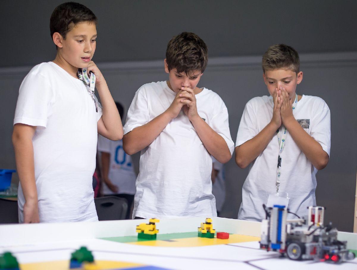 Διαγωνιστική Εκπαιδευτική Ρομποτική