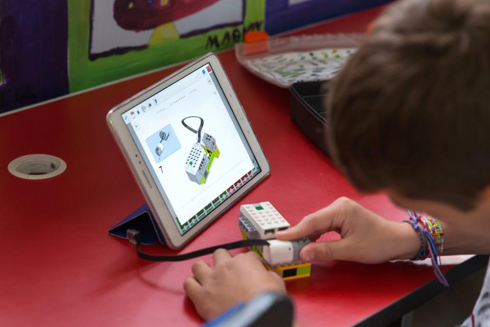 Εισαγωγή στην Εκπαιδευτική Ρομποτική με LEGO WeDo | Scratch