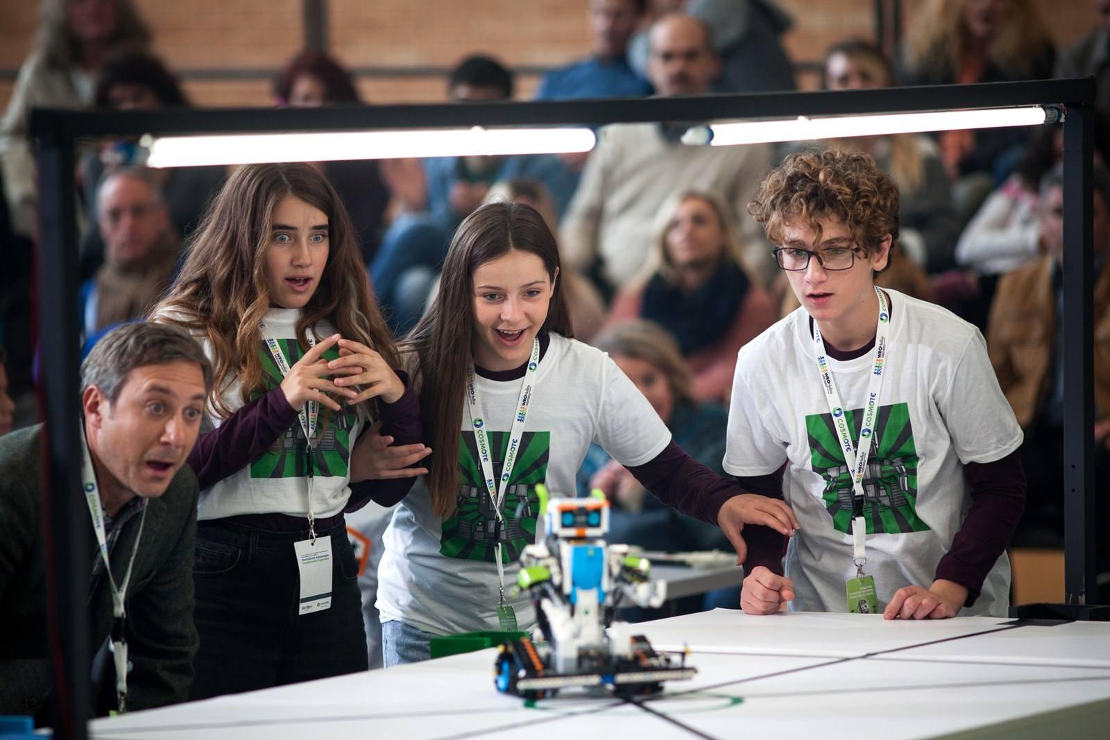 Κάντε κράτηση στο δωρεάν εργαστήριο γνωριμίας του STEM Education